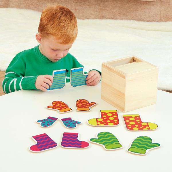 Box - matching pairs of socks and mittens